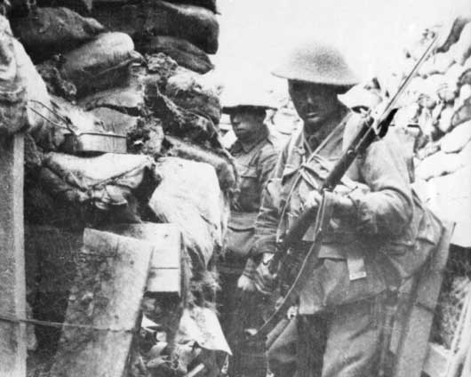 Men of the 53rd Battalion in a front line trench a few minutes before launching an attack in the Battle of Fromelles (AWM H16396).