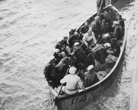 German survivors from the Kormoran being rescued by British lifeboats off Carnarvon, Western Australia (AWM 305987).