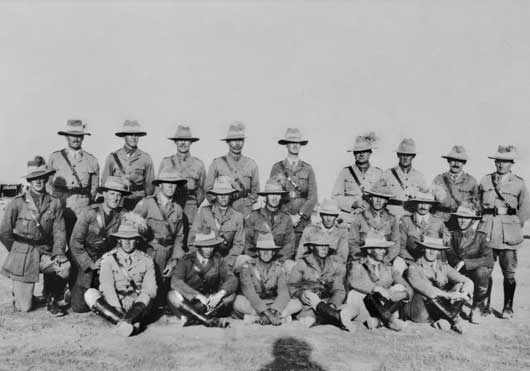 Officers of the 2nd Australian Light Horse Regiment in the Jordan Valley, Palestine (AWM P00794.001).
