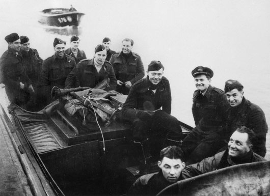 Crewmembers of a 461 Squadron RAAF Sunderland returning to base after sinking a U-boat in the Atlantic (AWM SUK11730).