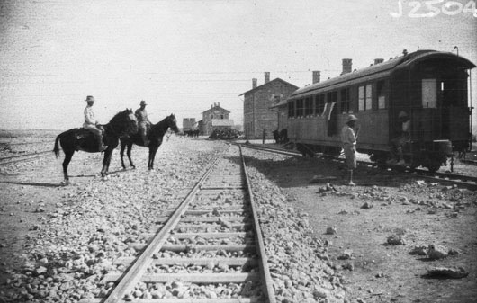The railway station at Beersheba, Palestine (AWM J02504).