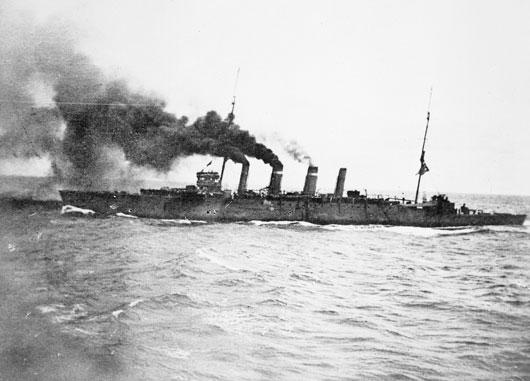 The RAN light cruiser HMAS Sydney steams towards Rabaul in the capture of German New Guinea, September 1914 (AWM EN0194).